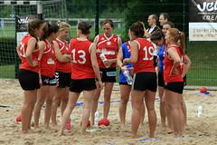 PG0O2706_R.Varadi-fotogalerie-rv.ch (Robi33) Tags: sun beach sports switzerland fight goal team sand women basel viewer derby referees ballsports beachhandball actionball