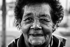 Vicentina... (Fe_Lima) Tags: brazil portrait blackandwhite bw brasil walking nikon walk retrato pb elderly caminhada pretoebranco barrabonita nikon50mm18g d3100 nikonafsnikkor50mmf18g