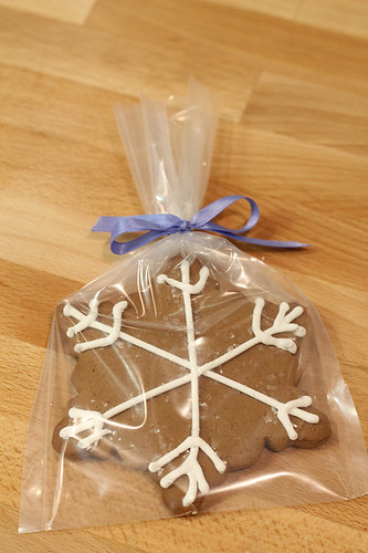 snowflake gingerbread cookie