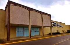 Elder-Beerman Lima Mall (Nicholas Eckhart) Tags: ohio usa retail america mall us lima departmentstore oh former stores theleader reuse simonmalls 2014 bonton elderbeerman limamall edwardjdebartolo