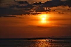 krabi sunset (paddy_bb) Tags: travel sunset sea cloud sun seascape water thailand boat longtailboat krabi 2012 andamansea aonang nikond3100 paddybb aonangkrabithailand2012