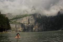 El Mese im Oeschinensee ( Bergsee - See - Lac - Lake ) oberhalb von Kandersteg im Berner Oberland im Kanton Bern in der Schweiz (chrchr_75) Tags: lake lago schweiz switzerland see suisse swiss familie lac kandersteg juli christoph svizzera bergsee berner berneroberland oberland 2014 jrvi mese  suissa oeschinensee s chrigu 1407 kantonbern alpensee chrchr hurni seeli chrchr75 chriguhurni albumfamilie bergseeli chriguhurnibluemailch albumbergseenimkantonbern juli2014 hurni140731 albumoeschinensee