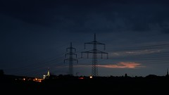 Bochum at night - Ruhrpark (D Schwarz Photography) Tags: sky skyline night landscape lights nacht himmel pole pylon electricity nightsky dmmerung bochum ruhrgebiet horizont highvoltage ruhrpark hochspannung abenddmmerung hochspannungsmast einkaufszentrum nachthimmel