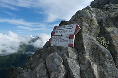 Passo dei Pozzi (Inklaar) Tags: val di fujifilm sole trentino itali adamello nkbv x100 bsk passodeltonale bergsportkamp trentinozuidtirol inklaar:see=all