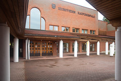 Kiuruveden kunnantalo (anni.vartola) Tags: 1984 postmodernism kiuruvesi kaupungintalo finnisharchitecture oulunkoulu