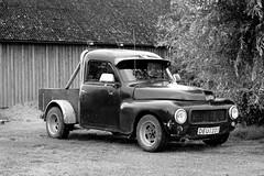 Volvo pickup (Frank Schmidt) Tags: auto old blackandwhite bw car canon eos volvo foto view watching bil vehicle sverige sh ven biler hven eos7d
