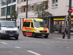 Welfen Ambulanz BS-WA21 in Braunschweig Germany P7022774 (MrB Bus) Tags: germany braunschweig ambulanz welfen welfenambulanz bswa21