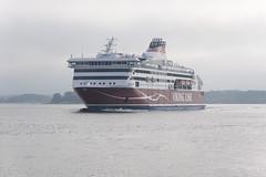 Viking Line XPrs (Mikko Miettinen) Tags: sea mist fog ferry finland harbor boat helsinki ship vessel balticsea baltic transportation mooring