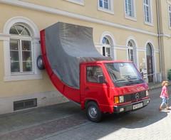 Parkvariante (Bibendum41) Tags: karlsruhe marktplatz erwinwurm weinbrennerhaus kunstinderstadt kunstanderbaustelle 300jahrekarlsruhe