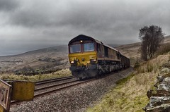 6E95 (_J @BRX) Tags: dbs db february2017 class66 train 66059 electromotivediesel emd gm bleamoortunnel yorkshire dales england uk ews yorkshiredales sc freight nikon d5100 settlecarlisle