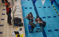 DJO_9224 (VilledeVicto) Tags: victoriaville victo hoplaville sport santé activité plongée sousmarin piscine piscineédouarddubord eau bonbonne oxygène palmes