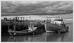 3619SE South Ferriby (foxxyg2) Tags: bw water boats mono fishing humber humberestuary niksoftware silverefex