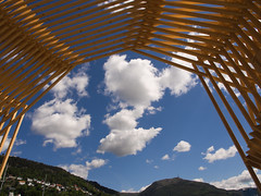 Bergenshimmel (Halvor Skurtveit) Tags: sky art norway norge kunst norwegen himmel portal bergen ulriken hordaland fjell noreg festplassen