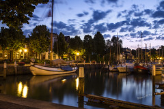 Maartensgat - Dordrecht at dawn (Wilma v H - thanks so much for lovely feedback! Ru) Tags: longexposure netherlands clouds sunrise dawn nightshot nederland lensflare dordrecht bluehour yachts crackofdawn coth jachthavens bestcapturesaoi coth5 elitegalleryaoi yachtharbours dordrechtharbours maartensgatdordrecht harbourscenics