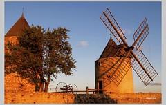 Die Muehlen von Rgusse in der Provence (Babaou) Tags: france moulin frankreich paca provence suedfrankreich var fra windmuehle kulturdenkmal provencealpesctedazur monumenthistorique regusse2011