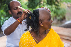 Offertory | காணிக்கை (ayashok photography) Tags: ayashok ayashokphotography nikon nikonstunninggallery nikond810 cwc chennaweedendclickers tokina1735mmvr veerapandiriver theni tamilnadu india shaving barber god ayp20091 gowmarriamman temple indian bharath desi desh barat barath bharat asia asian tokina1735mm