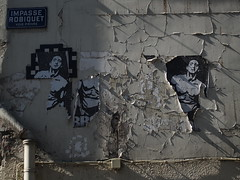 Ready to rumble (Hak Mahiddine) Tags: paris france fight lumiere combat mur affiche boxe fissures impasse