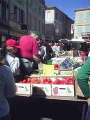 mot-2006-remoulins-pic_0038_st-remy-market-veg-stall_450x600