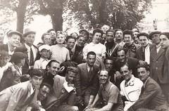 18-gruppo-di-spettatori-durante-una-corsa----circuito-di-crema---1938