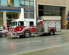 Vancouver, BC Engine 7 (walneylad) Tags: vancouver britishcolumbia canada firedepartment firerescue fireservice firebrigade pompiers bomberos bombeiros firevehicle emergencyvehicle fireengine firetruck onscene emergencyresponse red white smeal spartan pumper pumpladder engine7 downtown