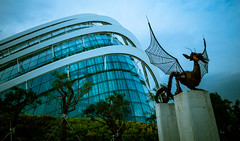 Conservatory Dome & Dragon (Serendigity) Tags: sculpture singapore dragon conservatory greenhouse dome