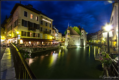 Annecy By Night 2 (Sylvain Abdoul Photographe) Tags: france annecy night canon pose canal long exposure lumire nuage nuit 1022 lampadaire hoya longue rhnealpes nd8 60d