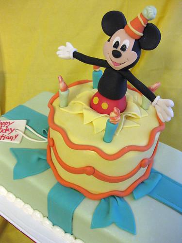 Mickey Present Cake Cake