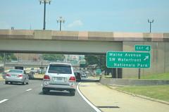 DSC_0971 (I.C. Ligget) Tags: road light signs sign lights dc washington traffic district columbia route signals transportation interstate 95 signal department i95 395 295 ddot 695 i295 i395 i695