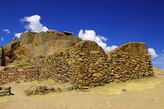 Pisac, Peru (ARNAUD_Z_VOYAGE) Tags: green peru inca stone america river landscape religious amazing ruins shrine village pentax citadel military cusco south terraces structures valley sacred inti agricultural pisac urubamba peruvian kx incan quechua watana