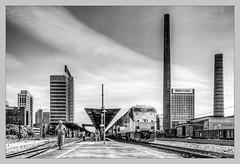 AMTRAK stops in B'ham/AL, 05/30/2012 (Schnitzel_bank) Tags: railroadphotography amtrak crescent p42dc ge alabama birmingham blackandwhitephptography vlak spoorwegen railroad railway treno trein поезд