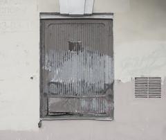 119 (daniil.orlov) Tags: door old wall russia painted sony russian nex russianlanguage emount sel35f18 nex5n