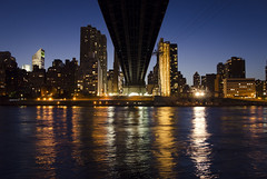 New York City Serie 17/31 (Alberto Sen (www.albertosen.es)) Tags: new york nyc bridge night river island noche nikon united roosevelt east alberto states bluehour nueva isla sen queensboro estados eeuu unidos d7000 albertorg albertosen