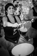 Pegando a los tambores (PloPh) Tags: batucada woman girl mujer chica tambor gurus solarana solaranarock