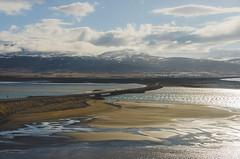 Saurkrkur (Jaime Prez) Tags: mountains beach water clouds iceland islandia sand agua playa arena nubes sland montaas