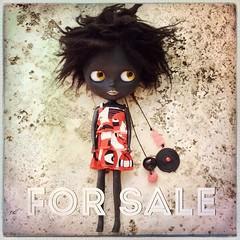 Je vends cette black Blythe custom 150 €. #blythe #blackblythe