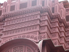 "Une haveli <a style=""margin-left:10px; font-size:0.8em;"" href=""http://www.flickr.com/photos/83080376@N03/15147516552/"" target=""_blank"">@flickr</a>"