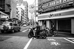 ( Ryan) Tags: street people bw outdoor taiwan streetphotography taichung gr ricohgr