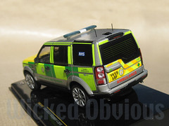 1/43 Yorkshire Ambulance Service Land Rover Discovery 4 (wicked_obvious) Tags: 3 fire code police rover ambulance land hart decal transfer discovery yas diecast rrv wmas emergency43