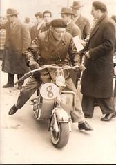23-gara-casco---k-milano-federico-rocchi-lambretta-150--1952