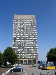 The Arts Tower, The University of Sheffield (Dave_Johnson) Tags: university sheffield bluesky artstower southyorkshire sheffielduniversity universityofsheffield