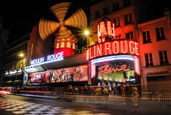 moulin rouge (el_mo) Tags: girls red people ballet paris french place good dancer montmartre cancan moulinrouge rosso cuore mulino parigi sacro offenbach labasiliquedusacrcurdemontmartre