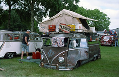 Low. Really, really lowwwww (Ronald_H) Tags: bus film look vw volkswagen rat cab air low tent crew expired lowered transporter t1 bulli kever aircooled 2014 cooled doka wanroij doppelkabine
