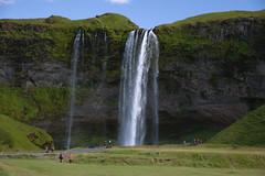 Seljalandsfoss (Brujo+) Tags: naturaleza nature iceland islandia seljalandsfoss ísland cascada caídadeagua