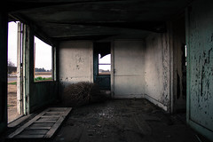 (megallypuff) Tags: abandoned gloomy cloudy overcast dreary eerie spooky oldhouse shack deserted rundown abandonedbuildings abandonedhouses megantedrowphotography