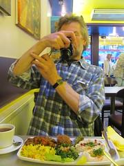 LONDON 2013 LLH-065 (streamer020nl) Tags: camera uk england food london dinner canon photo tea picture meal vegetarian gb tee eten thee londen vegetarisch maaltijd 2013 llh louiselh 300513 30may2013