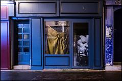 20140814-97 (sulamith.sallmann) Tags: france night dark paper frankreich europa nightshot time nacht schaufenster laden trading shops normandie shopwindow papier trade plakat manche fra dunkel nachtaufnahme wirtschaft nachts cherbourg lahague bassenormandie läden sulamithsallmann