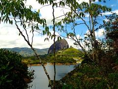 "C'est incroyable cette montagne • <a style=""font-size:0.8em;"" href=""http://www.flickr.com/photos/113766675@N07/15090161042/"" target=""_blank"">View on Flickr</a>"