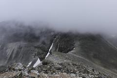 Rondane national park - climbing Vinjeronden (happy.apple) Tags: summer people snow mountains norway nationalpark climbers rondane cludy vinjeronden