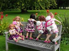 Viele liebe Grüße ... Kindergartenkinder ... (Kindergartenkinder) Tags: dolls margie annette wasserburg burg tivi hülshoff havixbeck setina himstedt annemoni kindergartenkinder sanrike