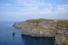 Cliffs of Moher (moorepix4u2c) Tags: ireland cliffs cliffsofmoher harrypotterandthehalfbloodprince atlanticocean touristattraction countyclare westireland inthemovies obrientower 300millionyearsold dontwalktooclosetotheedge theylosesomeoneevery34years